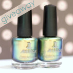 giveaway: pretty nails.