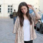 OUTFIT: the golden sequin kimono