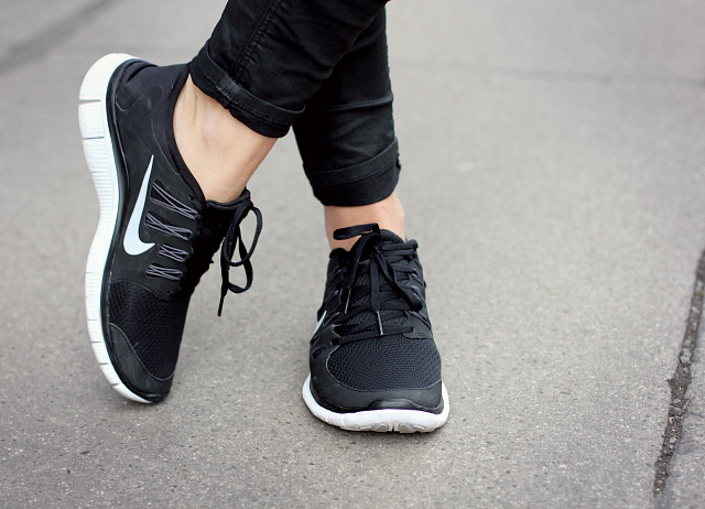 Outfit: Nike Free 5.0+