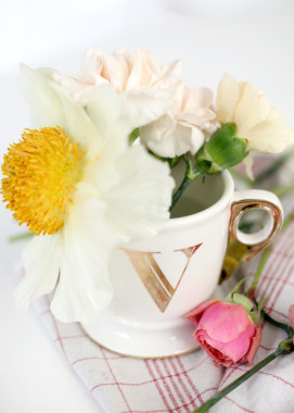 DIY flower bouquet in a cup - Bikinis & Passports
