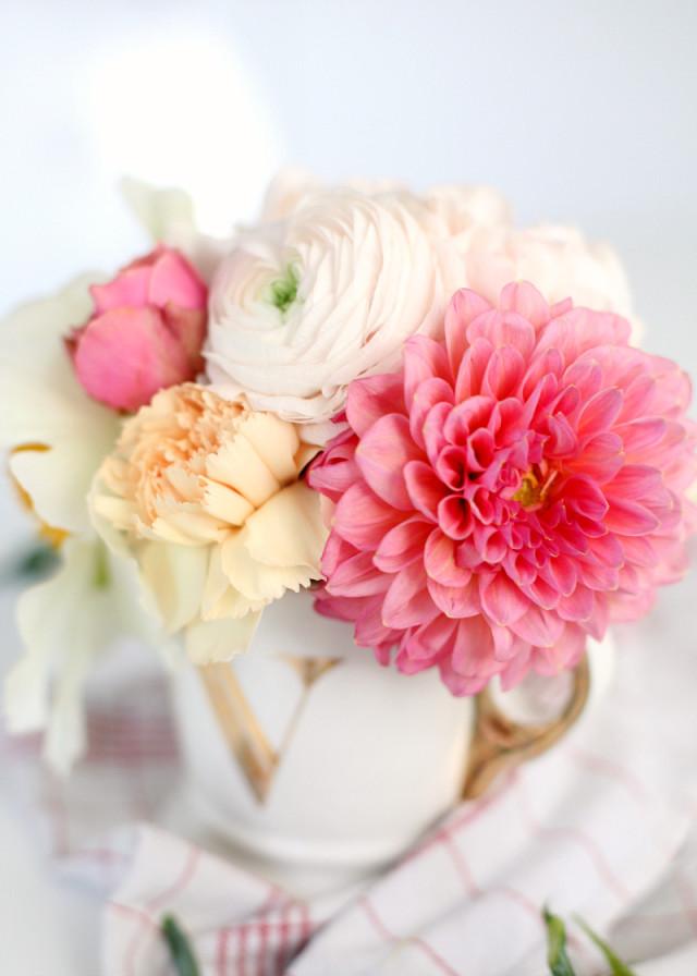 DIY flower bouquet in a cup - Bikinis & Passports