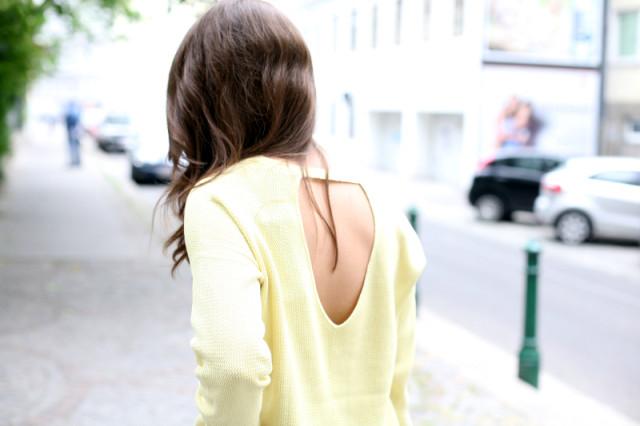 OUTFIT: la la yellow!