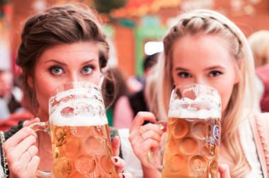 #coverprwiesn Oktoberfest 2014 - Bikinis & Passports