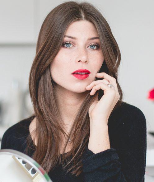 Douglas Beautystories: Red Lips for NYE   Bikinis & Passports
