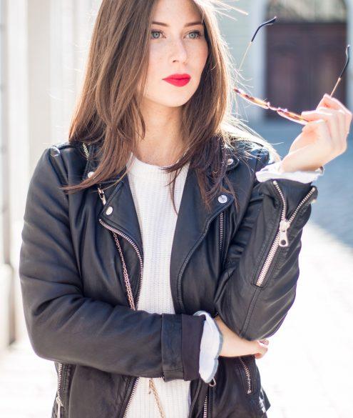 Red Lips: Ruby Woo by MAC | Bikinis & Passports