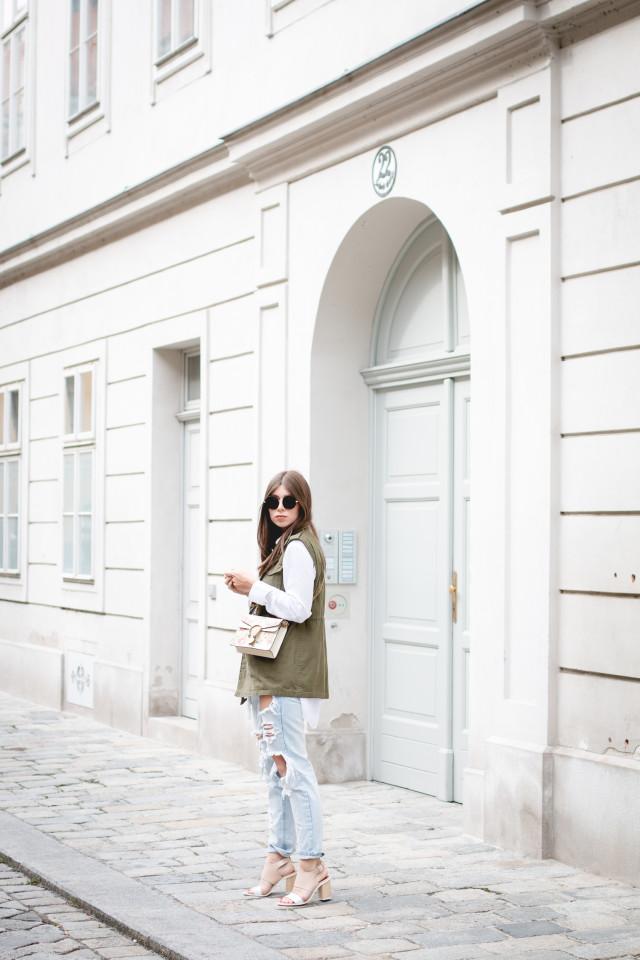 Gucci for NET-A-PORTER Dionysus mini floral-print leather shoulder bag | Bikinis & Passports