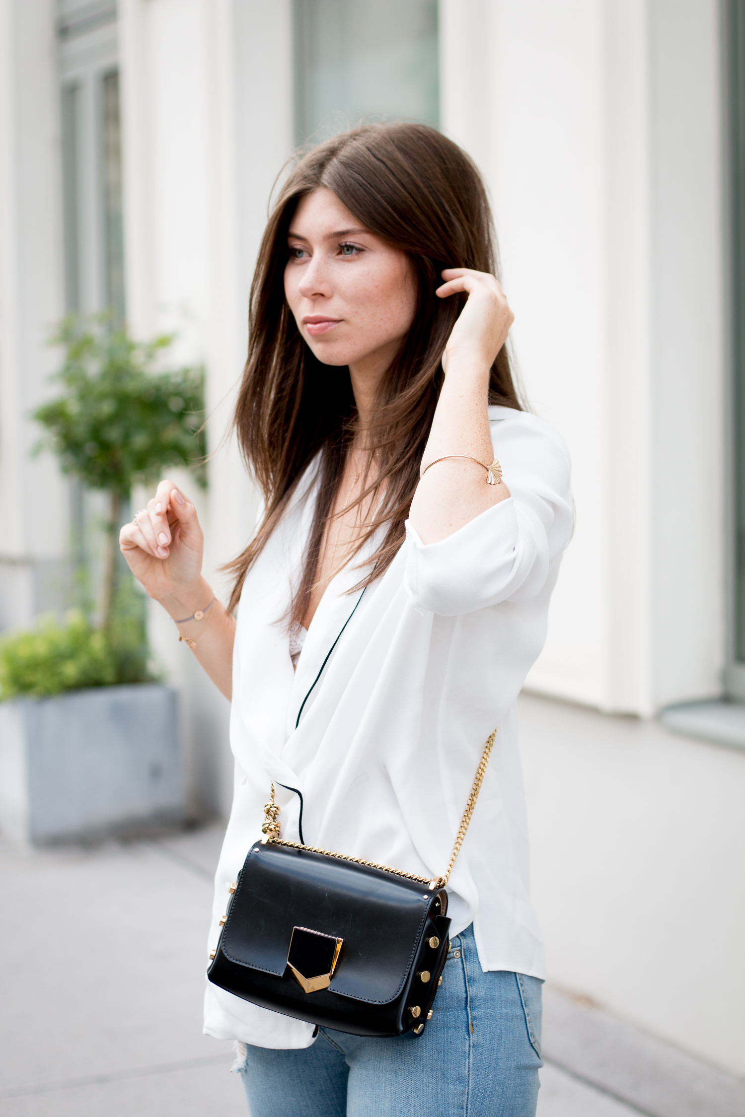 OUTFIT: double-breasted blouse.