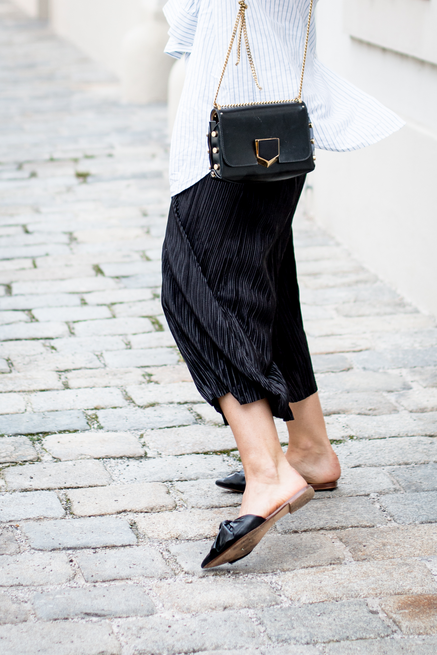 OUTFIT: plisse culottes + knotted blouse