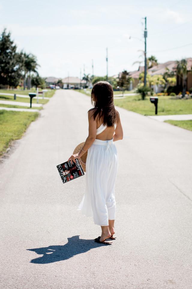 OUTFIT: Selfie's Influencer Magazine | Bikinis & Passports