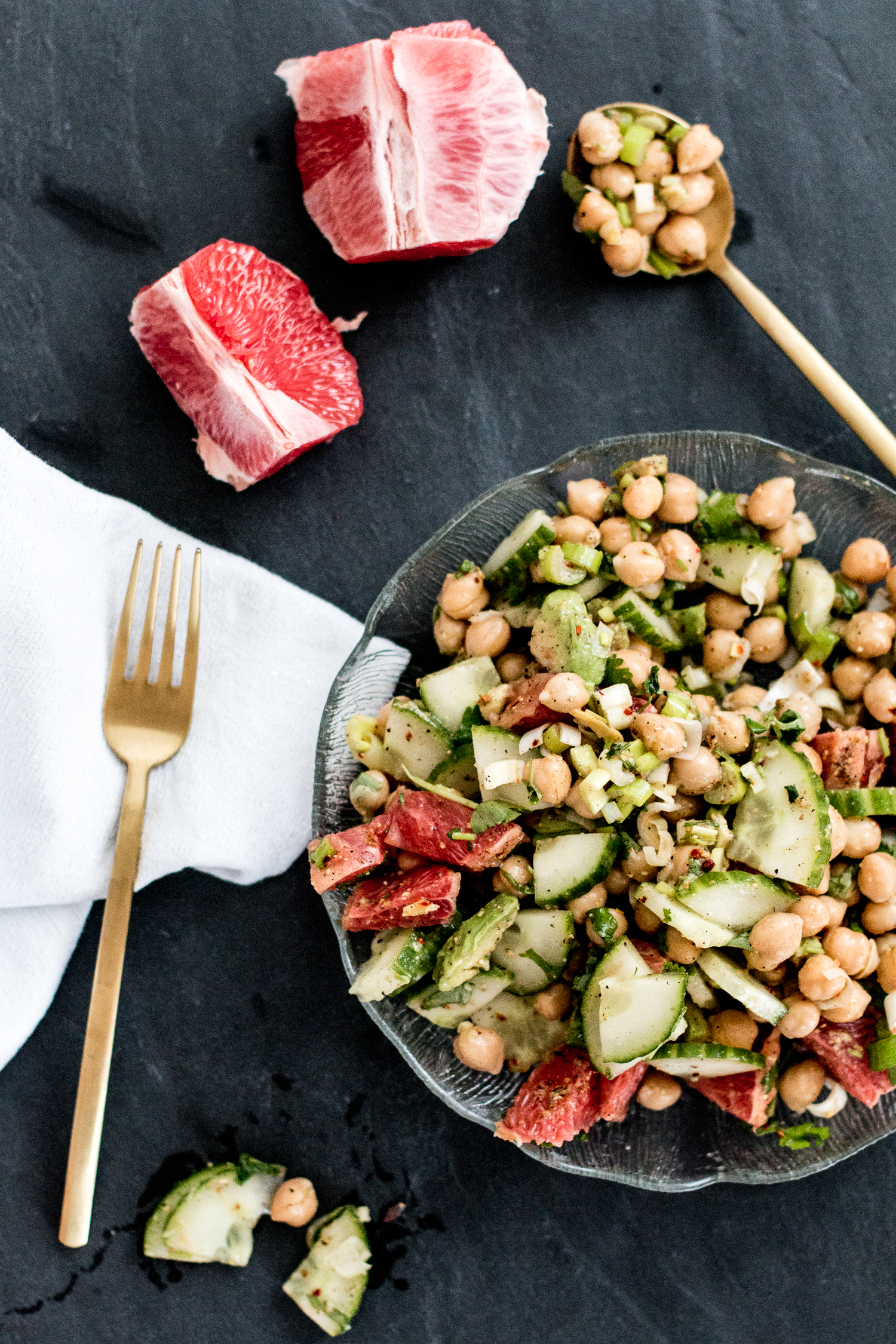 RECIPE: healthy chickpea salad with grapefruit & avocado.