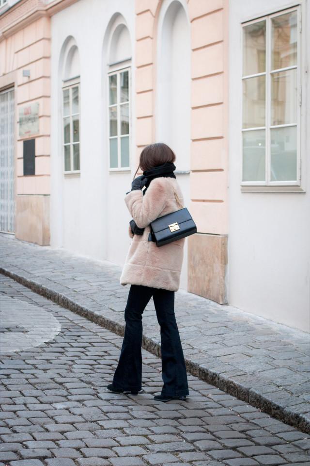 How to wear flared jeans? J Brand Aura High Waisted Bell Bottom Jeans - Bikinis & Passports