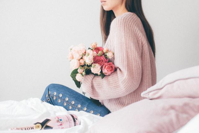 Moët & Chandon Rosé Impérial Valentine's Day 2017 - Bikinis & Passports