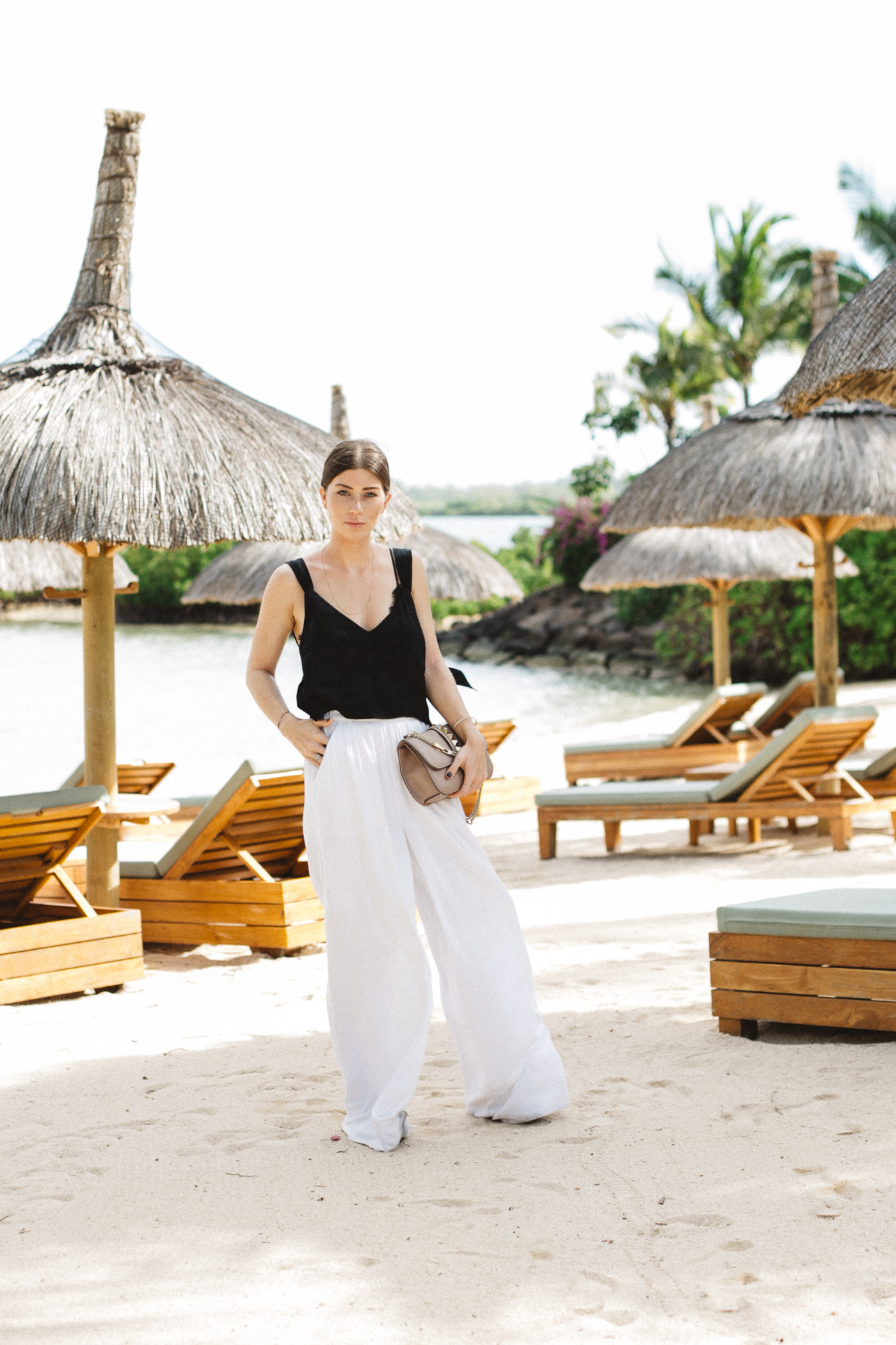 OUTFIT: palazzo on the beach.