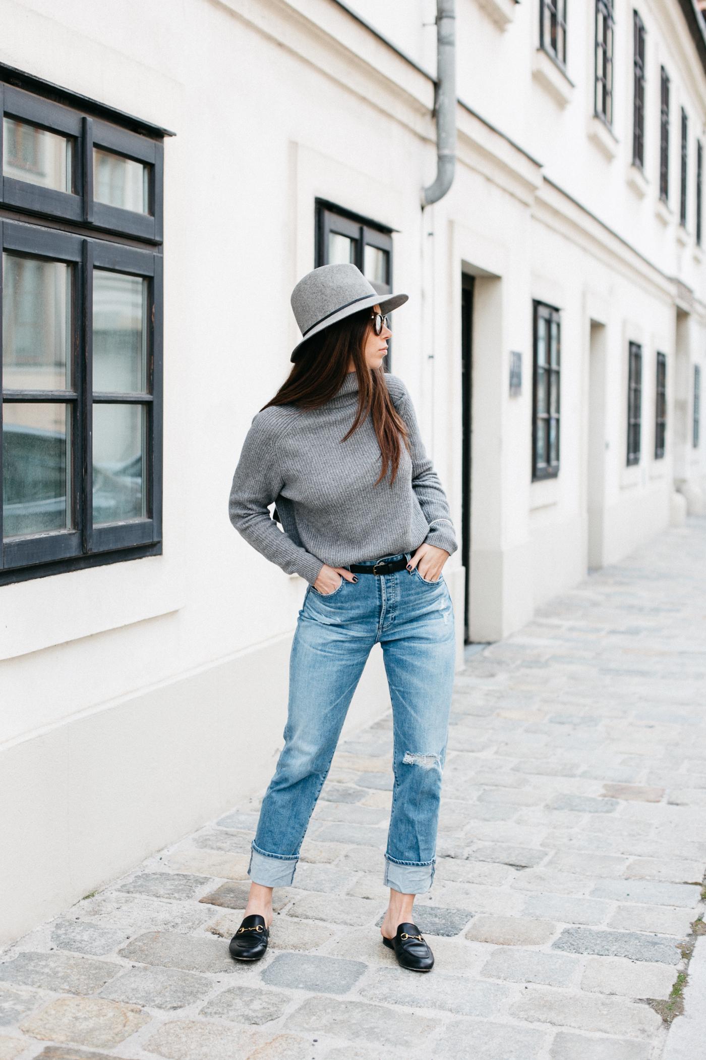 954298215d0ea4 OUTFIT: basics + a hat. | Bikinis & Passports | Bloglovin'