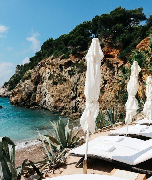 Canon EOS M10: Postcards from Ibiza   Bikinis & Passports