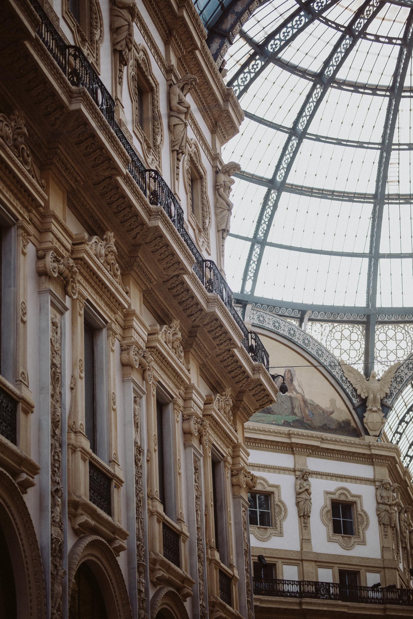 Galleria Vittorio Emanuele II Milan - Bikinis & Passports