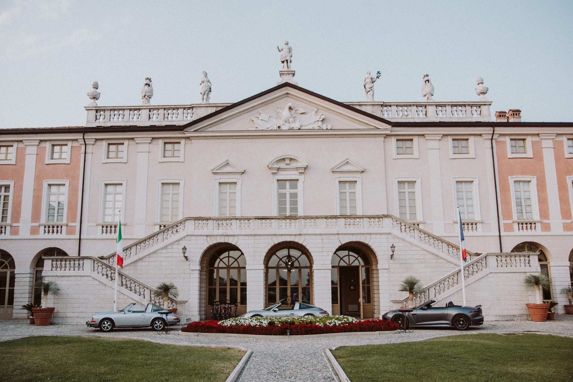 Villa Fenaroli Palace Hotel - Bikinis & Passports