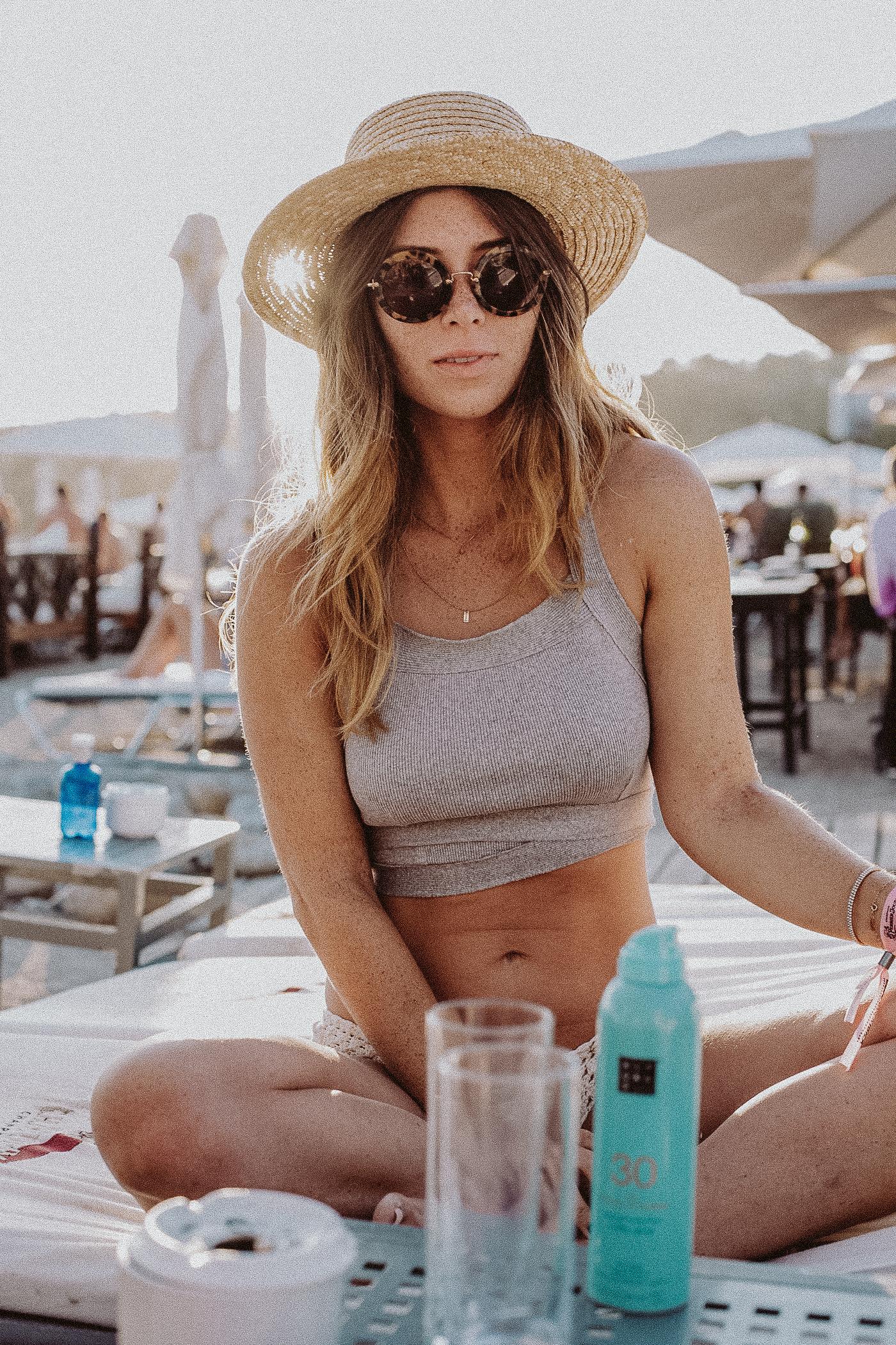 Cotton Boats, Ibiza Boat Rental   Bikinis & Passports