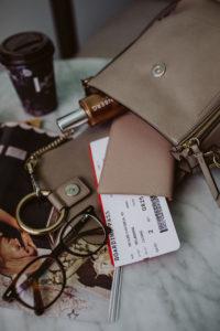 Chloé Faye backpack small, motty gray   Bikinis & Passports