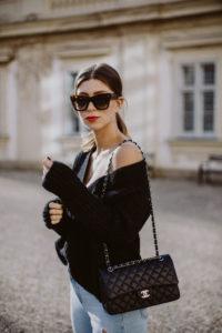 Outfit: Closed V-Neck Sweater, Alpaka Pullover | Bikinis & Passports