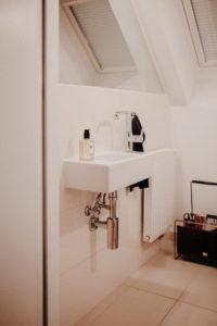 details: restroom decor | Bikinis & Passports