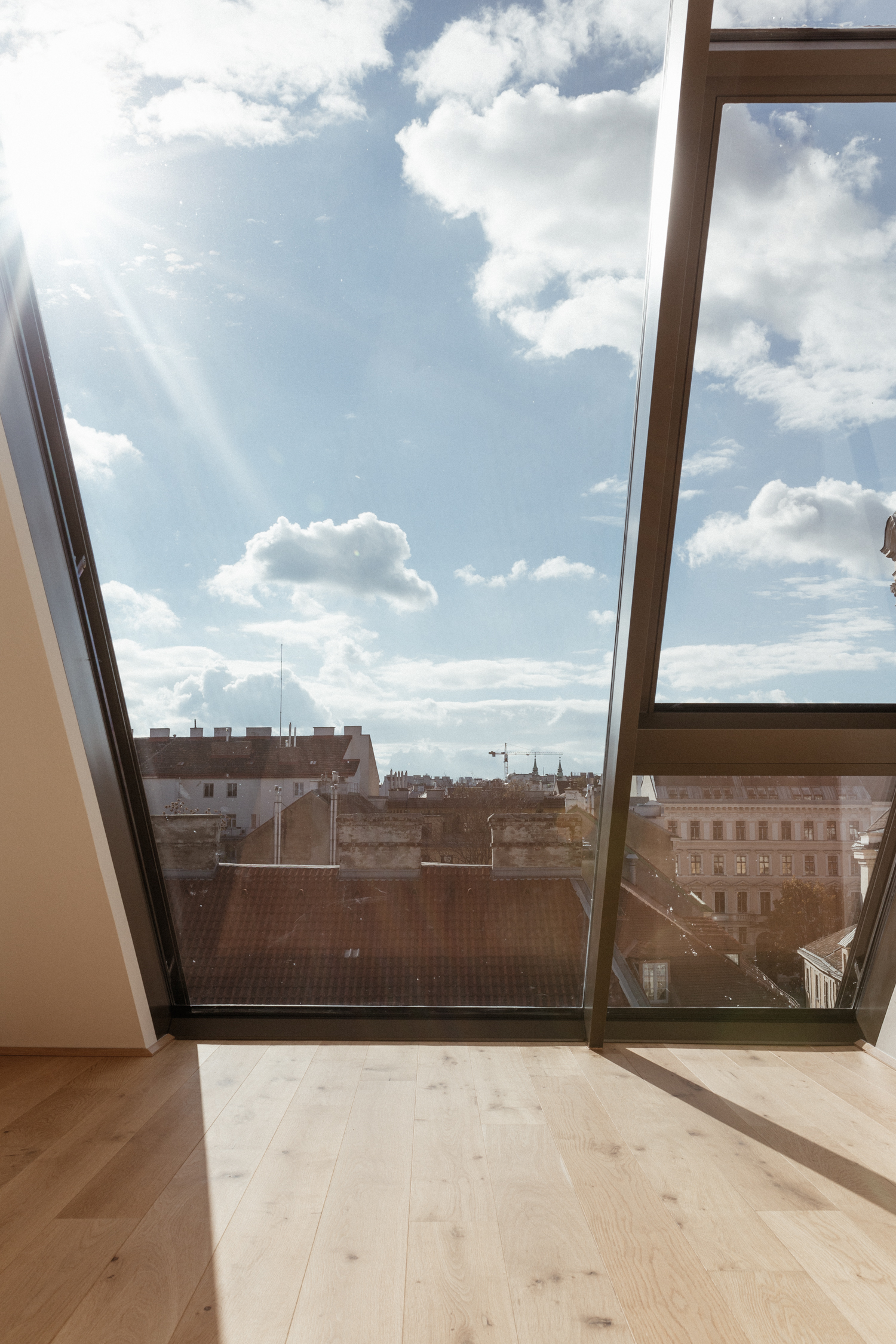Dachgeschoss Wohnung Wien | Bikinis & Passports