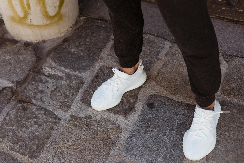Yeezy Boost 350 v2 Triple White Outfit Bikinis & Passports