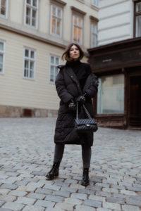 Roeckl Driver Gloves: all black winte routfit - Bikinis & Passports