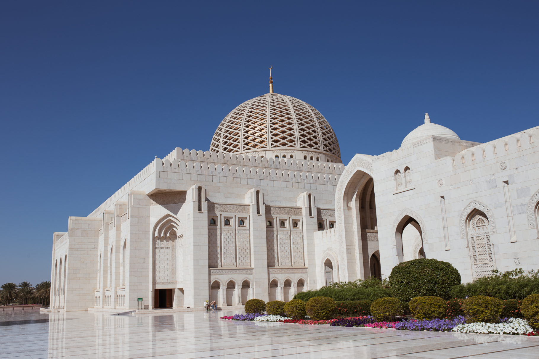 Things To Do In Oman (Oman Travel Guide) - Bikinis & Passports